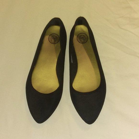 SO ( Kohls )  BLACK FLATS size 9   COMFY & CUTE !!